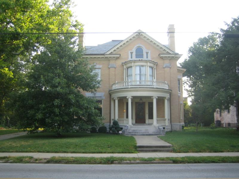 Gorgeous Victorian Mansion - Historic Mansion In Downtown Lexington - Lexington - rentals