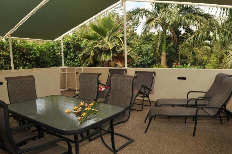 Enjoy your private Lanai adjecent to the estates gardens. - AlohaAKU 5- OHANA Suite, Beachfront, 2BR/2B/LR/Kit - Kihei - rentals