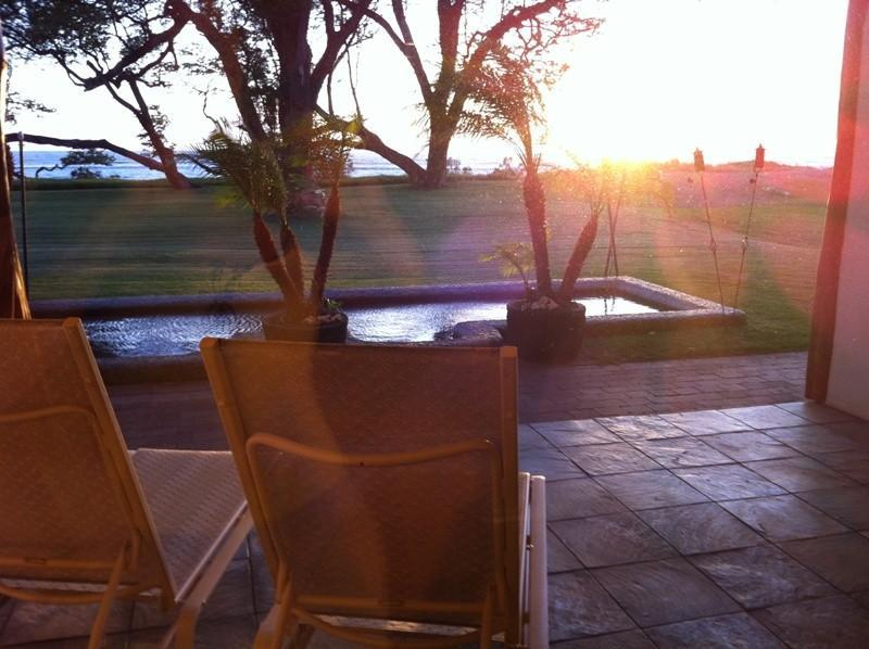 Sunset on your Lanai or a dip in the wadding pool. - AlohaAKU 4- CoCoPalm Suite, Beachfront, 1BR/LR/Kit - Kihei - rentals