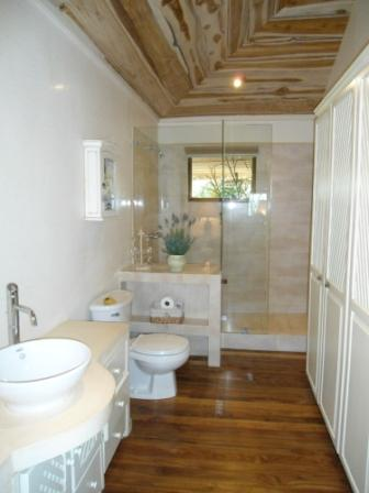 "bathroom - Adorable ""Le Nidou"" Apartment In The Hills Of Santa Ana, San Jose Costa Rica - Santa Ana - rentals"