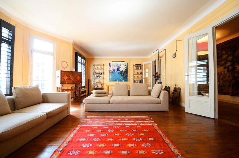 Stylish 4 Bedroom Apartment Near Eiffel Tower - Image 1 - Paris - rentals