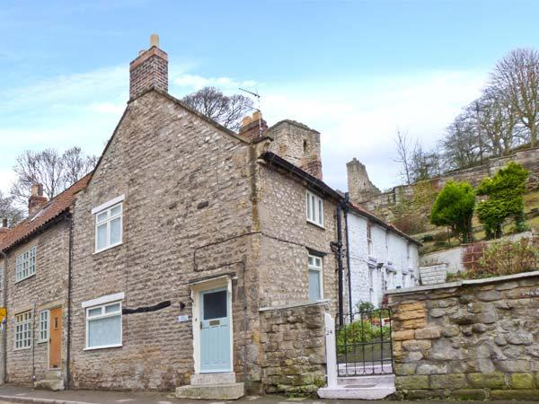 BECK COTTAGE, fantastic steam railway location, great touring base, character features, corner cottage in Pickering, Ref. 24339 - Image 1 - Pickering - rentals