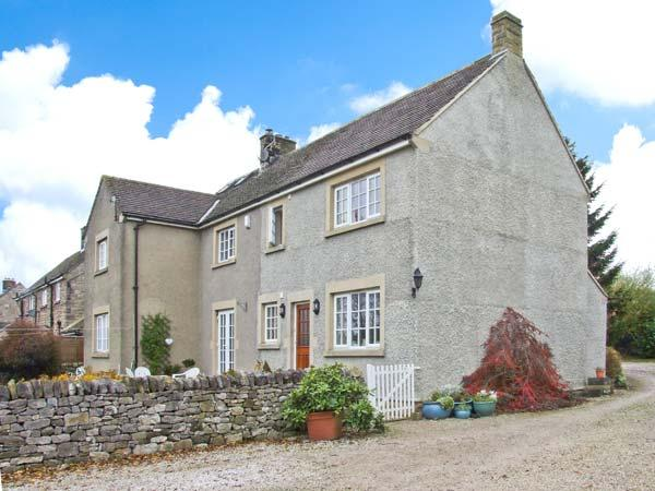 WALL HILL FARM, detached cottage, family and pet-friendly, enclosed garden, in the heart of the Peak District National Park, in Great Longstone, Ref 30252 - Image 1 - Great Longstone - rentals