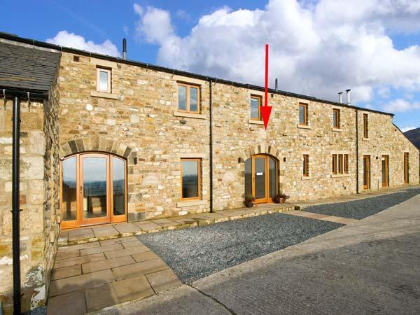 COPPA HILL BARN en-suite facilities, magnificent views, luxury cottage in Ingleton Ref 30826 - Image 1 - Ingleton - rentals