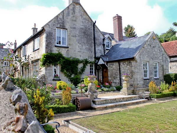 STARRE HOUSE, 16th century manor house, woodburning stoves, walking distance to the beach, ideal for families, in Beer, Ref 31082 - Image 1 - Beer - rentals