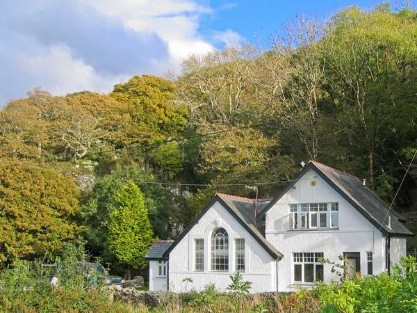 IS Y DERI, woodburner, enclosed garden, large family cottage near Harlech, Ref. 31111 - Image 1 - Harlech - rentals