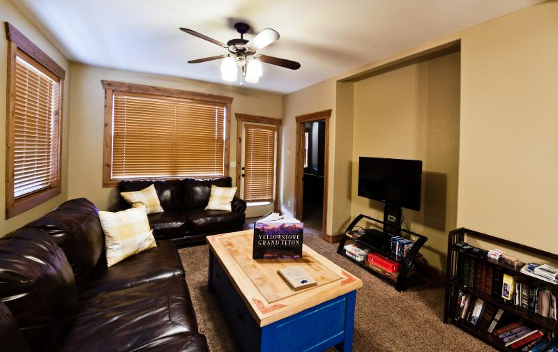 Blu-Rays, books, games, and an HD TV - Luxury condo 30 minutes from Jackson Hole WY - Driggs - rentals