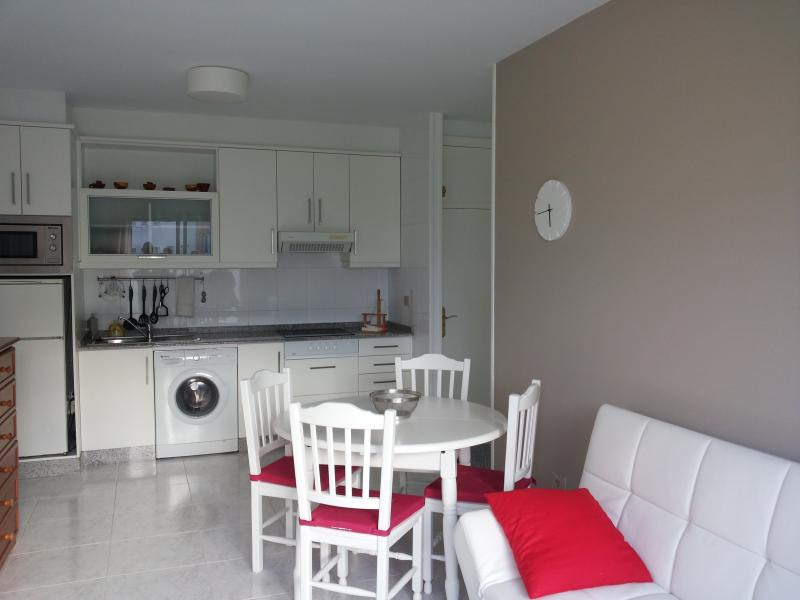 The kitchen - Beautiful apartament at the beach - Uhia - rentals