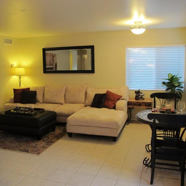 Cozy, warm and welcoming - Super Cozy private 1 bd apt in Beautiful Oceanside - Oceanside - rentals