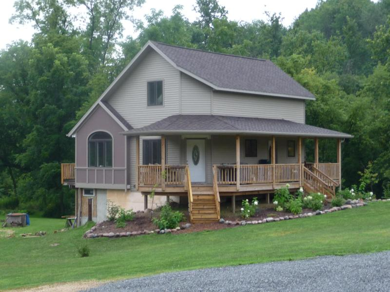 Villa At Waterfall Vineyards - Villa At Waterfall Vineyards - Coon Valley - rentals