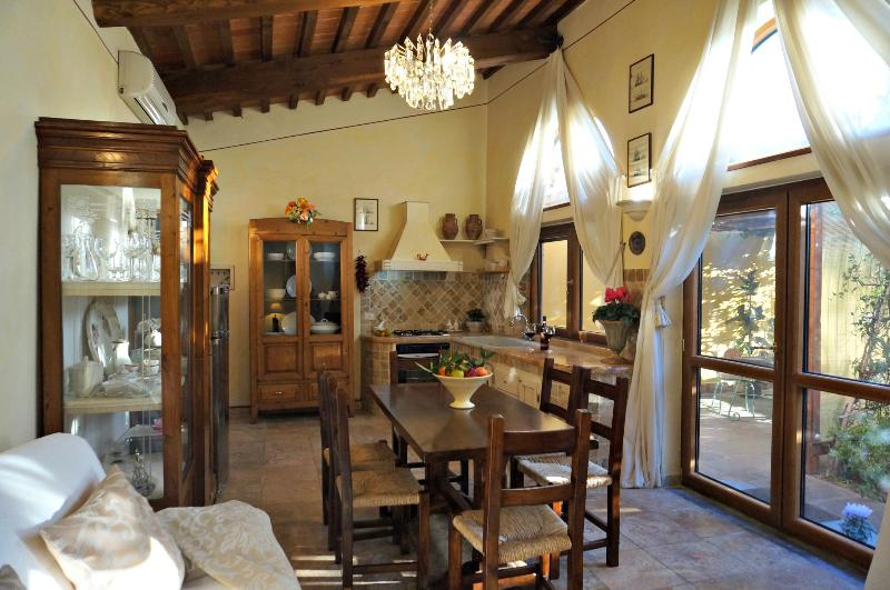 Typically Tuscan and full of charachter - Limonaia a romantic hideaway - Authentic Tuscany - Pisa - rentals