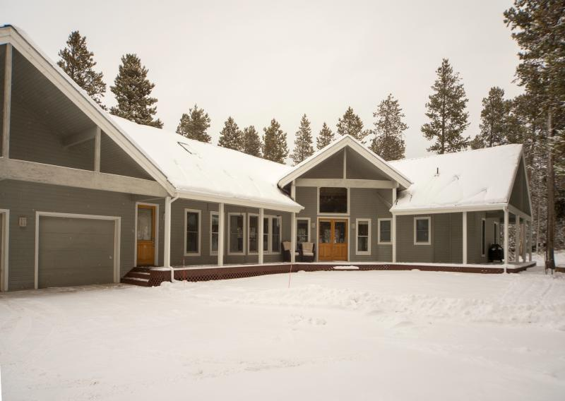Custom High-End Mountain Home: Wooded Area, Close to Town Sleeps 16-20 - Image 1 - Winter Park - rentals
