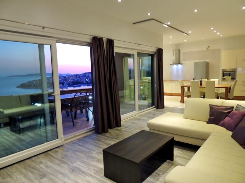 Apartments Spanic - Apartment Family - Image 1 - Okrug Gornji - rentals