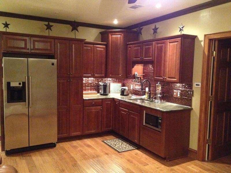 Kitchenette - Guest House behind our Ft Worth home near Downtown - Fort Worth - rentals
