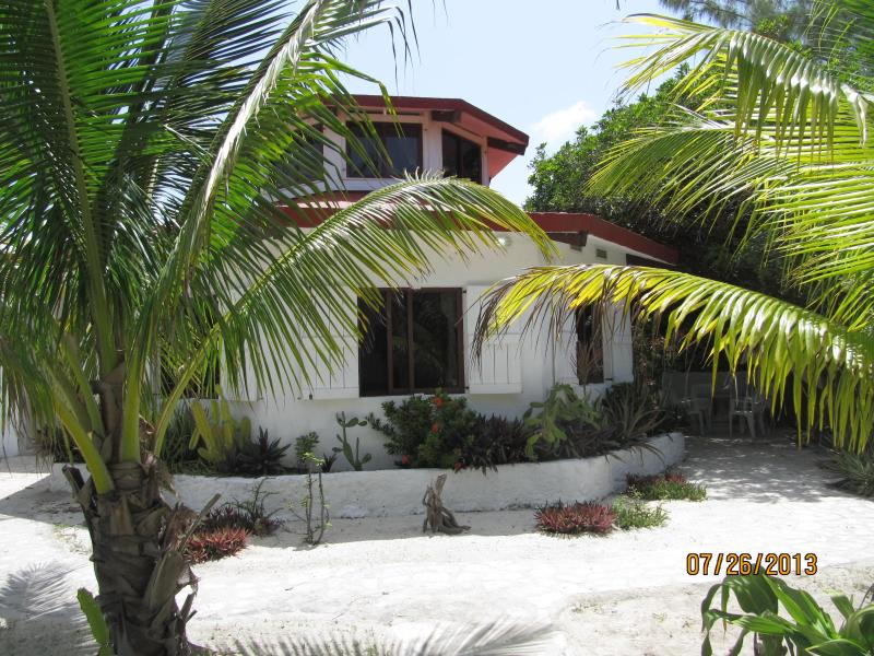 La Casa Redonda - Short Walk to XTC  Dive Center &  Fishing Guides - Xcalak - rentals