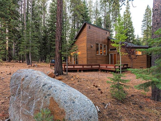 Lovely Remodeled Tahoe Donner Home - Image 1 - Truckee - rentals
