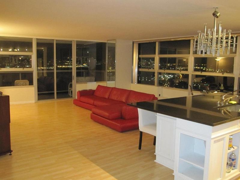 Corner Apt. Southern/Eastern Exposure - Big Space - Luxury Super Bowl City Hudson Views 3 BED/BATH - West New York - rentals