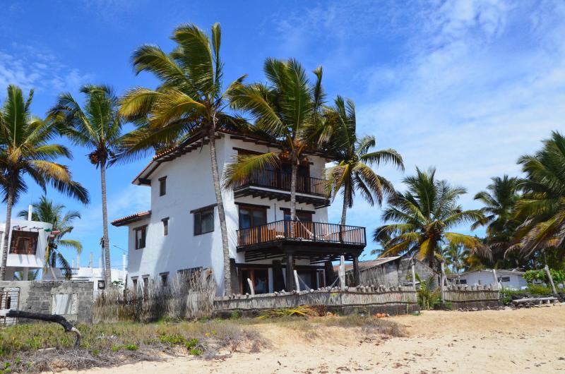 Casa Baronesa Waterfront Villa - Image 1 - Puerto Villamil - rentals