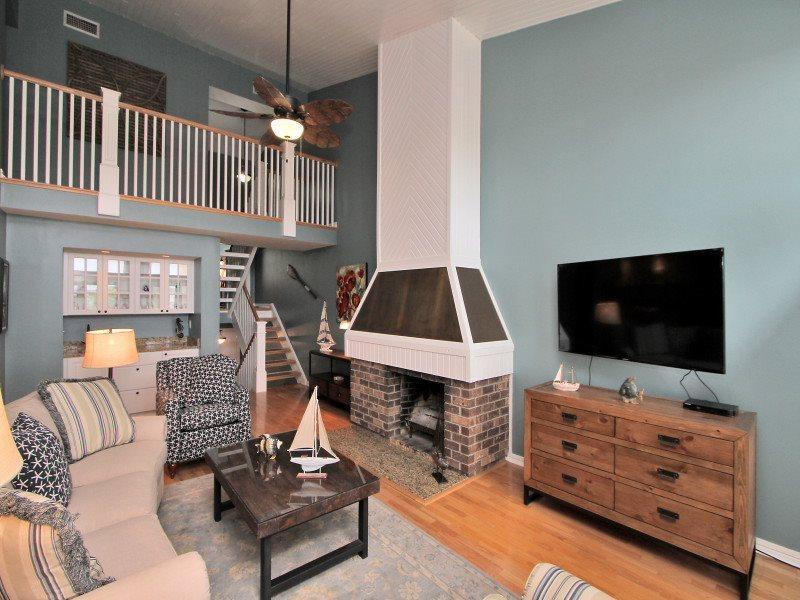 Living Area on 2nd Level 1452 Sound Villa - 1452 Sound Villa - Sea Pines - rentals