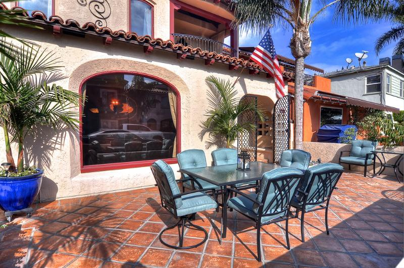 Dine outdoors and enjoy the sun! - Special Aug 8-14! Luxury Home 1 house to beach! - Long Beach - rentals