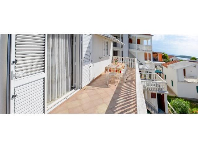 Apartments Zvonko - 43322-A2 - Image 1 - Rukavac - rentals