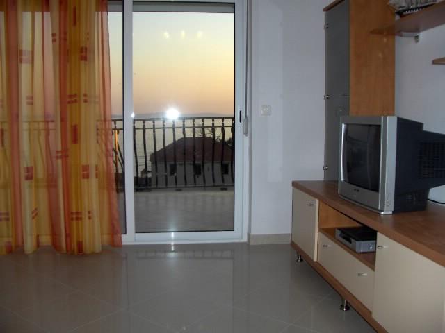 Apartments Filip - 44351-A5 - Image 1 - Podstrana - rentals