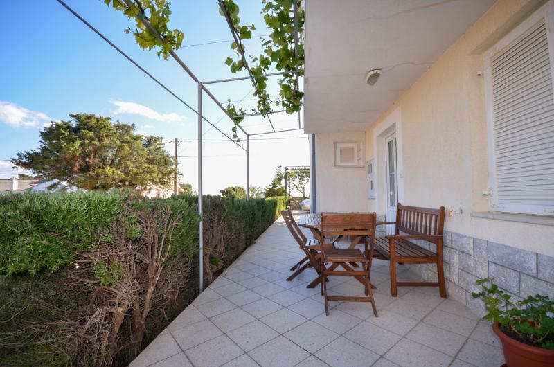 Apartments Dragica - 69851-A1 - Image 1 - Palit - rentals