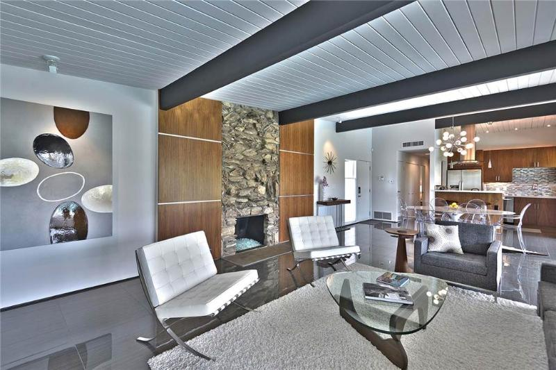 The Aqua House - Image 1 - Palm Springs - rentals