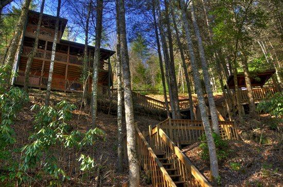 LOWER VIEW OF CABIN - Above the River- 2BR/2BA- CABIN WITH TOCCOA RIVER ACCESS, SLEEPS 6, DECK ACCESS FROM EACH BEDROOM, GAZEBO OVERLOOKING THE WATER, HOT TUB, FOOSBALL, PING PONG, GAS LOG FIREPLACE AND WIFI! ONLY $135 A NIGHT! - Blue Ridge - rentals