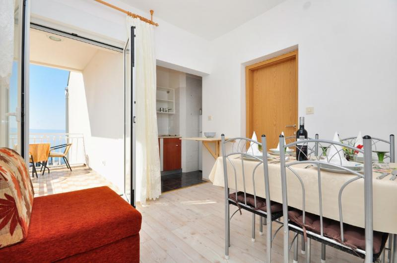 Apartments Nino - 41231-A3 - Image 1 - Podstrana - rentals