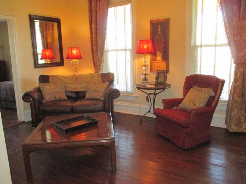 Living room - Lighthouse Apartment Rental - Michigan City - rentals