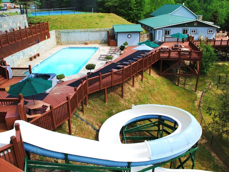 Heated pool, water slide, hot tub - THE COTTAGE at The Camp - A Romantic Getaway - Gerton - rentals
