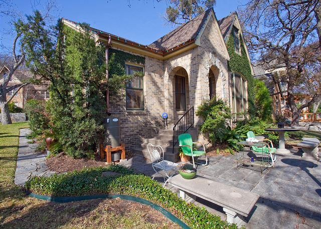 Beautiful Hilltop Cottage By The Park - Image 1 - Austin - rentals