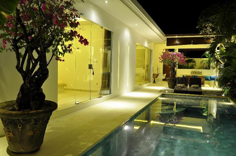 overview by night - Stunning contemporary 2 bedroom villa in Seminyak - Seminyak - rentals