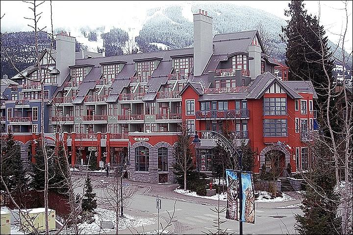 Scenic Village Setting - Steps to Local Shops and Activities - Charming Village Setting (4000) - Whistler - rentals