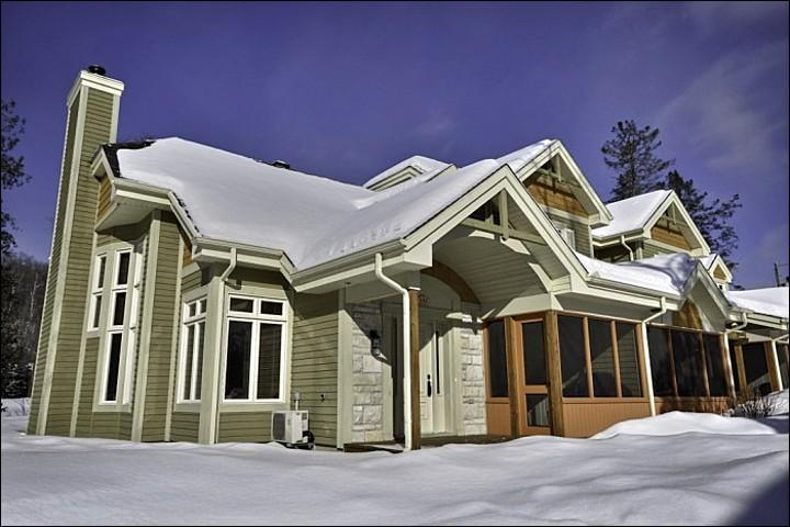 The Exterior View - Perfect for Golfers - Private Outdoor Patio with Beautiful Views (6160) - Mont Tremblant - rentals