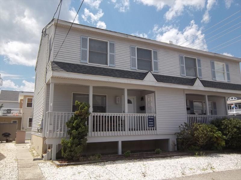 302 E 18th Street T/H 122464 - Image 1 - Ocean City - rentals