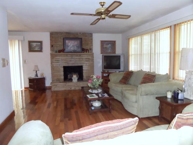 Living room from entrance way - Waltz Inn - Cherokee Village - rentals