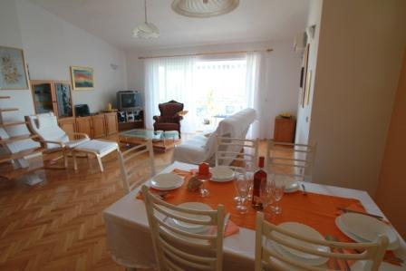 Villa Klara-Apartment Gallery, Kastel Gomilica - Image 1 - Kastel Gomilica - rentals
