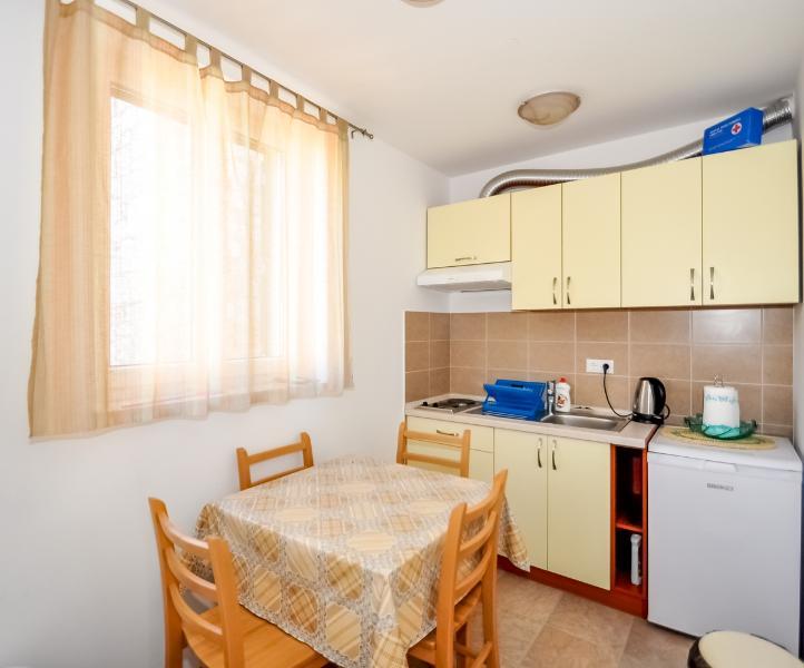 Apartments Mira - 44971-A3 - Image 1 - Omis - rentals