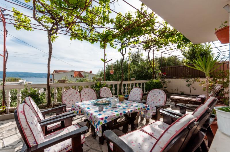 Apartments Josefina - 45861-A1 - Image 1 - Omis - rentals