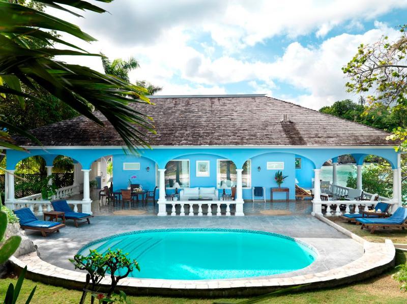 PARADISE PJI - 138823 - BEACHFRONT - WHITE SUITE - Image 1 - Ocho Rios - rentals