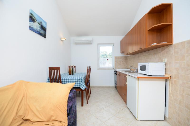 Apartments Lidija - 68881-A1 - Image 1 - Palit - rentals