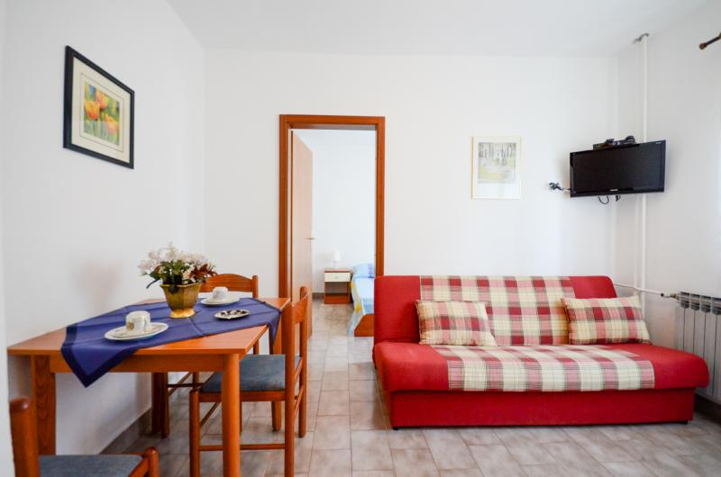 Apartments Zorka - 75871-A2 - Image 1 - Umag - rentals