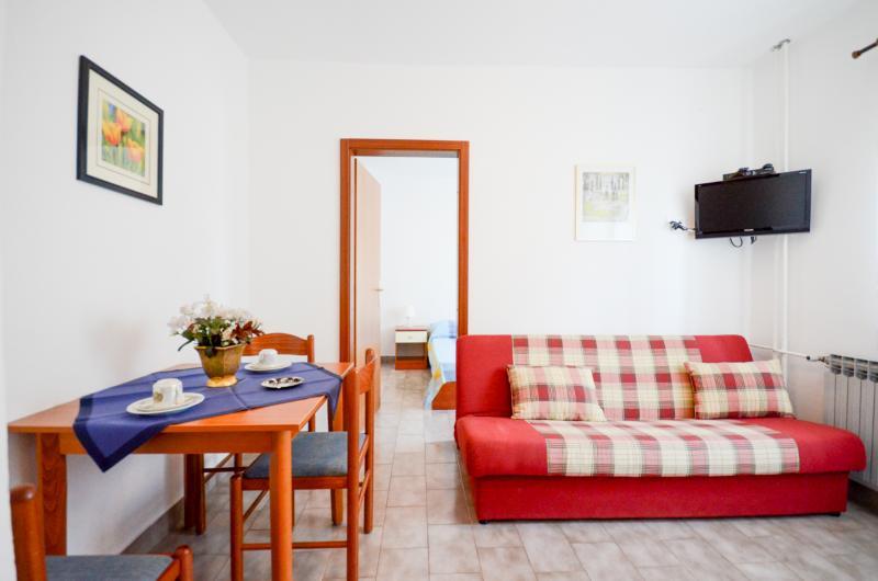 Apartments Zorka - 75871-A4 - Image 1 - Umag - rentals