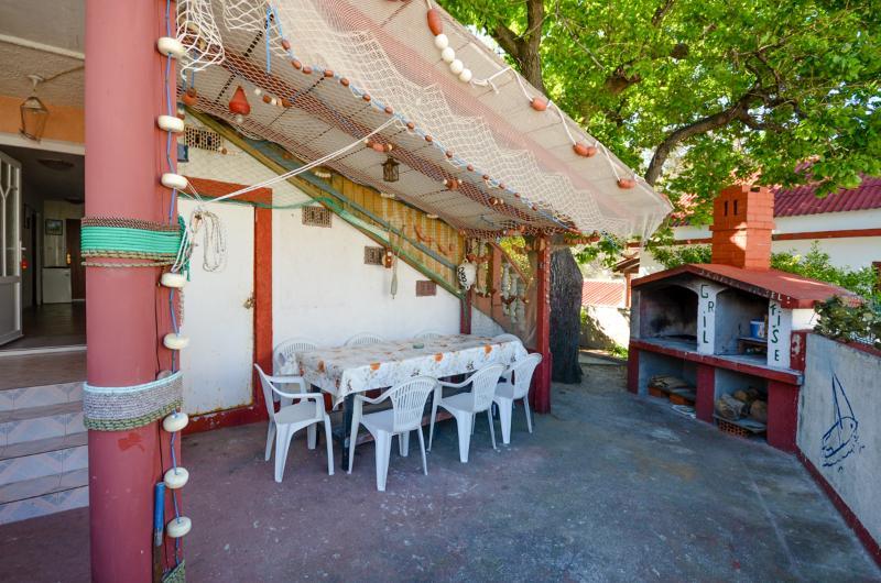 Apartment Anamarija - 85501-A1 - Image 1 - Banjol - rentals