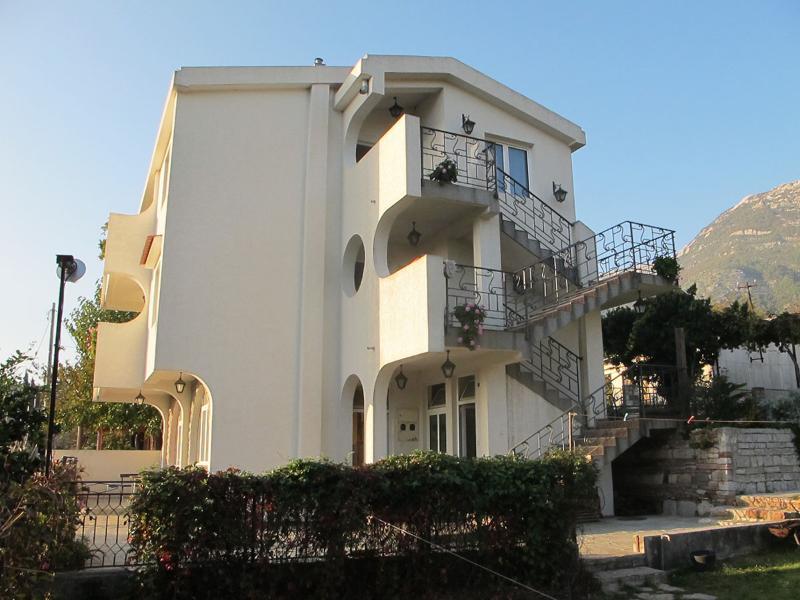 Apartments Marko - 92222-A1 - Image 1 - Sutomore - rentals