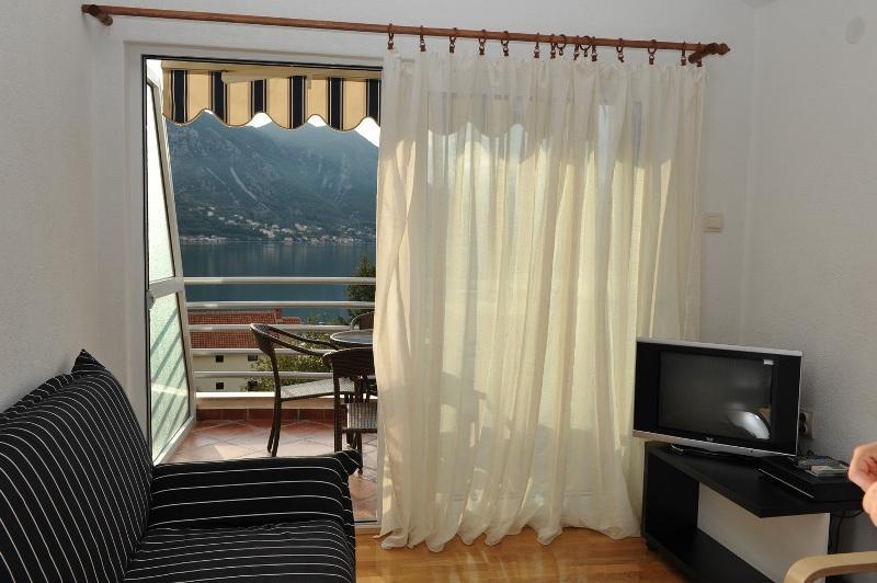 Apartments Ivona - 92451-A3 - Image 1 - Kotor - rentals