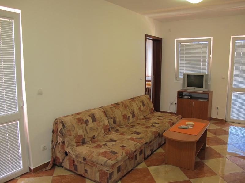 Apartments Ratka - 92651-A1 - Image 1 - Sutomore - rentals