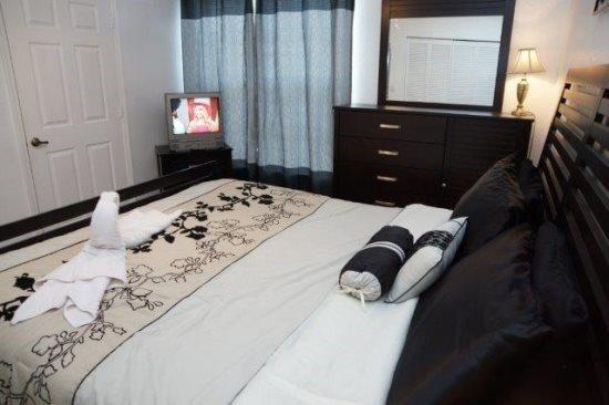 2 Bedroom 2 Bath Townhome at Mango Key sleeps 8. 3156TC - Image 1 - Orlando - rentals